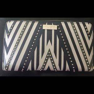 Henri Bendel Wallet Brand New with Tags